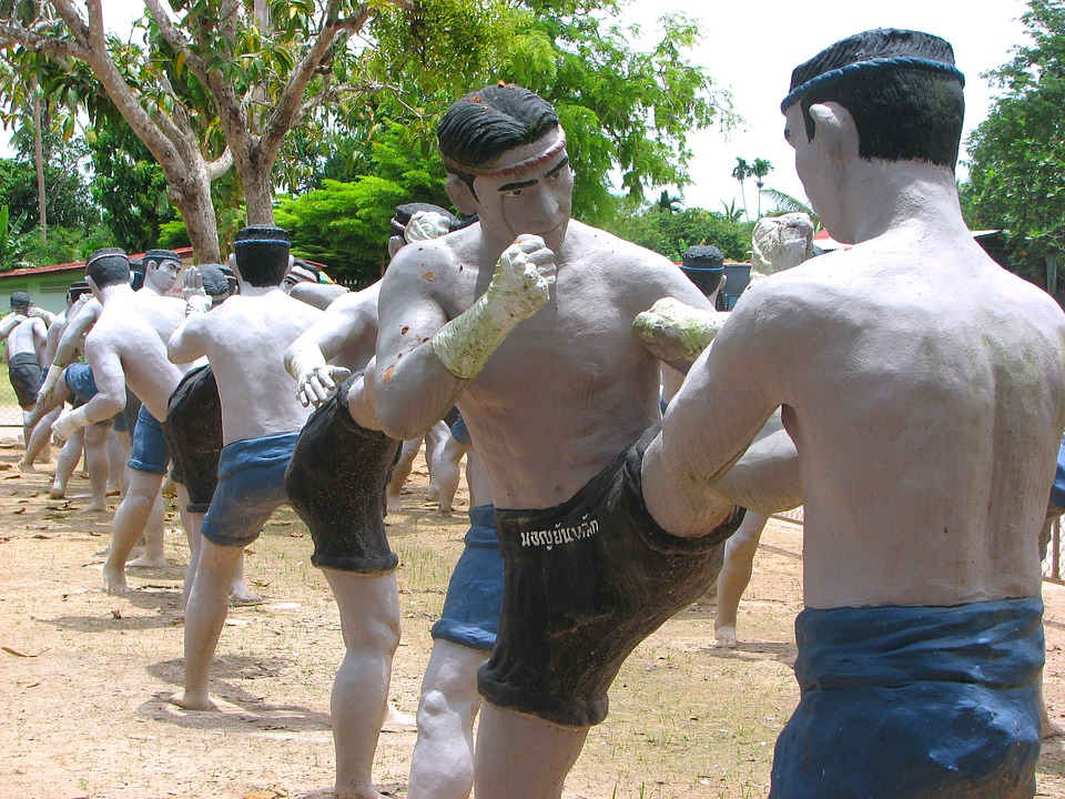 Muay Thai - An Effective Hard Style Thai Boxing Martial Arts